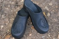 BLACK WREATH MONOGRAMMED LEATHER CLOGS