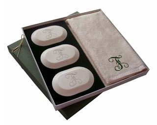 SINGLE INITIAL THREE PACK WITH GUEST TOWEL